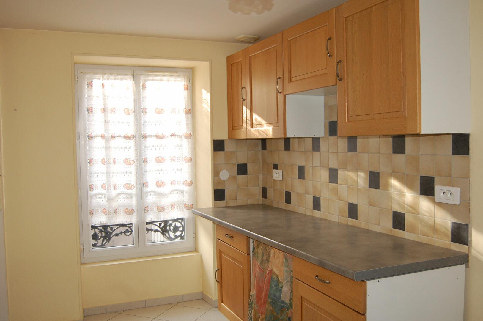 Maison à louer 4 76m2 à Saint-Satur vignette-1