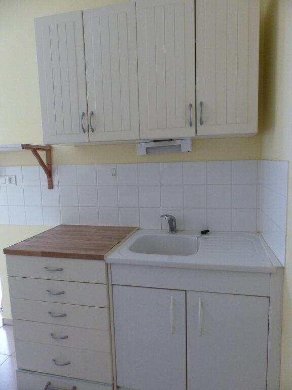 Appartement à louer 2 42m2 à Cosne-Cours-sur-Loire vignette-5