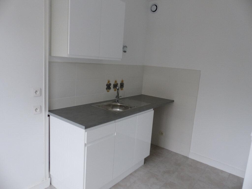Appartement à louer 1 31.61m2 à Cosne-Cours-sur-Loire vignette-4