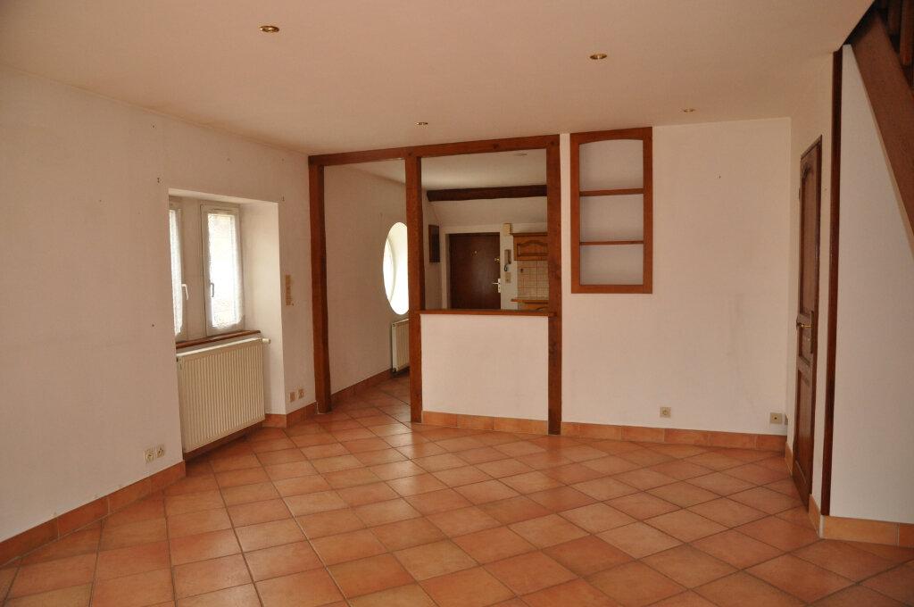 Appartement à louer 3 60m2 à Cosne-Cours-sur-Loire vignette-1