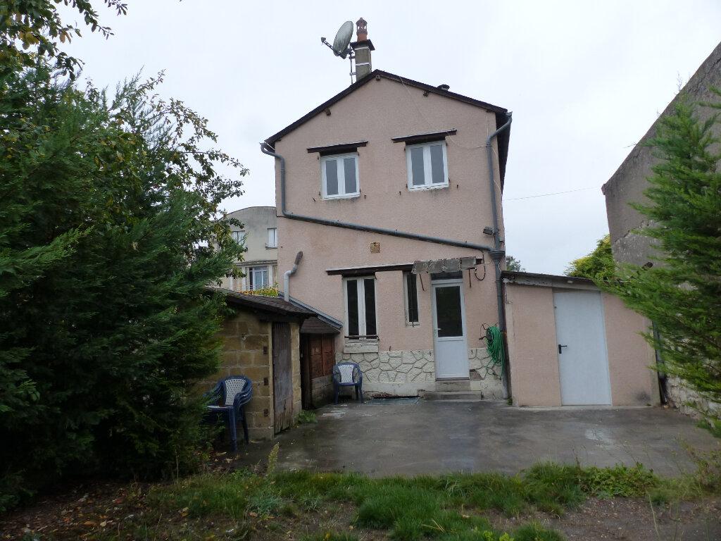 Maison à louer 3 60m2 à Cosne-Cours-sur-Loire vignette-1