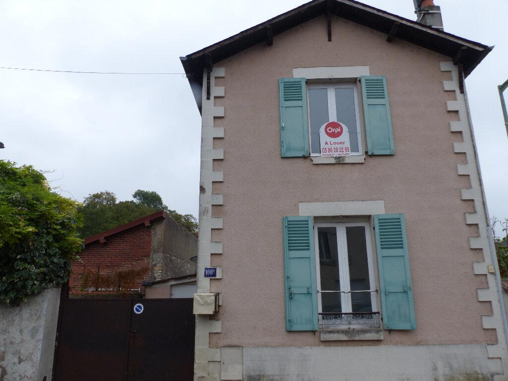 Maison à louer 3 60m2 à Cosne-Cours-sur-Loire vignette-2