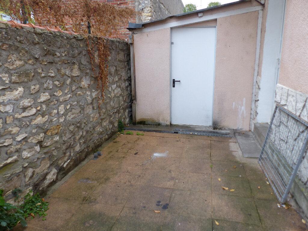 Maison à louer 3 60m2 à Cosne-Cours-sur-Loire vignette-4