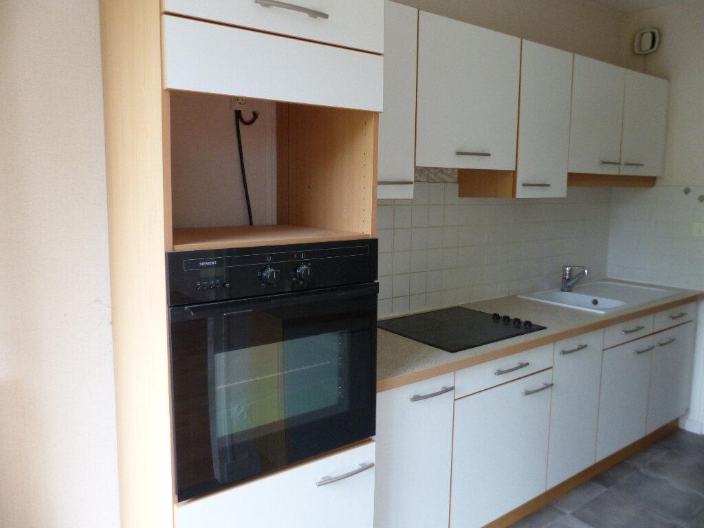 Appartement à louer 2 49m2 à Cosne-Cours-sur-Loire vignette-1