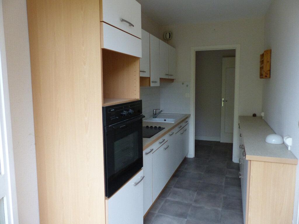 Appartement à louer 2 49m2 à Cosne-Cours-sur-Loire vignette-2