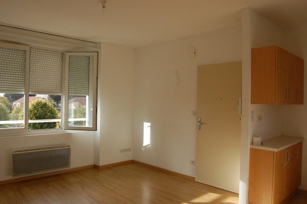 Appartement à louer 3 48m2 à Sancerre vignette-1