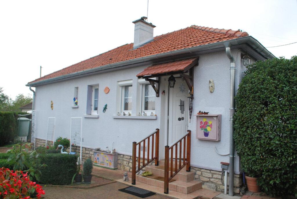 Maison à vendre 3 67m2 à Cosne-Cours-sur-Loire vignette-1