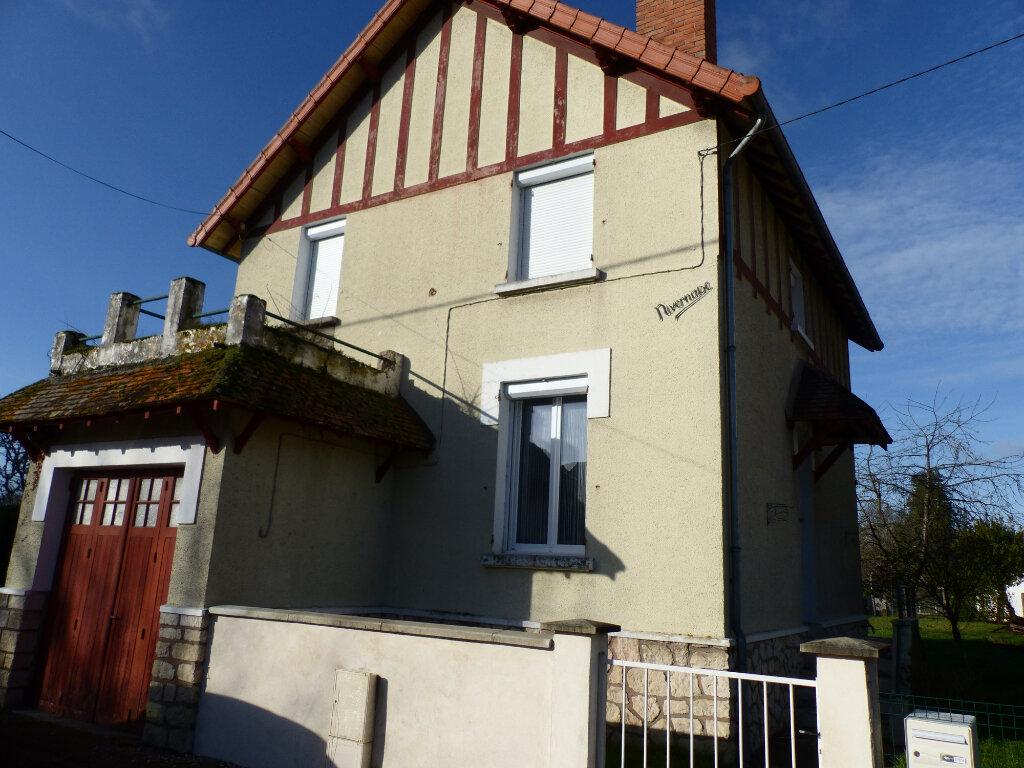 Maison à louer 4 88m2 à Cosne-Cours-sur-Loire vignette-1