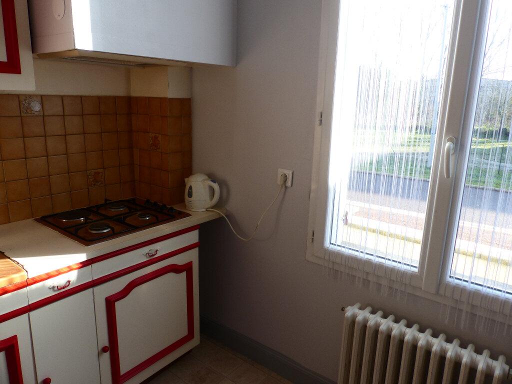 Maison à louer 4 88m2 à Cosne-Cours-sur-Loire vignette-5