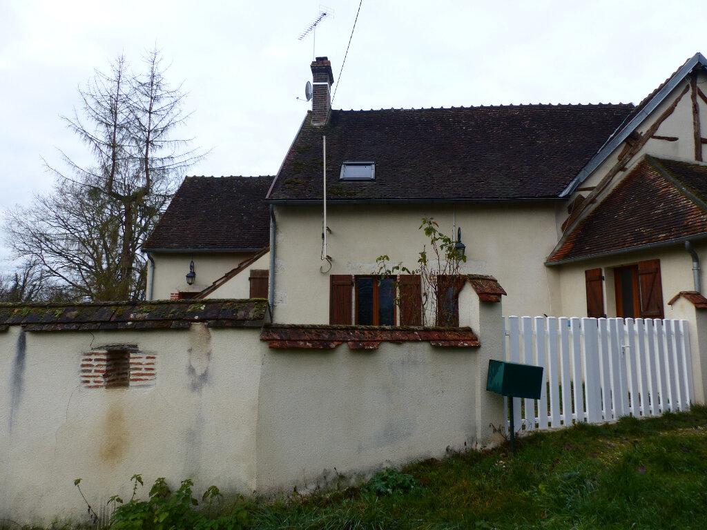 Maison à louer 5 123m2 à Beaulieu-sur-Loire vignette-1