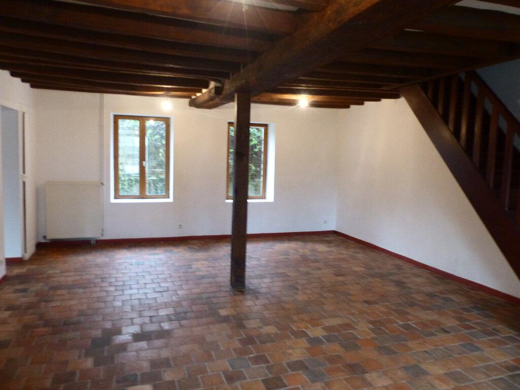 Maison à louer 5 123m2 à Beaulieu-sur-Loire vignette-3