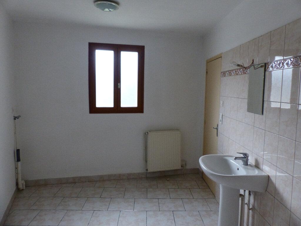 Maison à louer 5 123m2 à Beaulieu-sur-Loire vignette-8