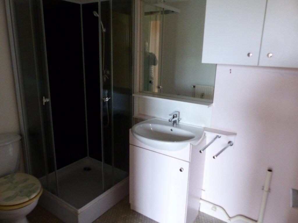 Appartement à louer 2 43m2 à Cosne-Cours-sur-Loire vignette-6