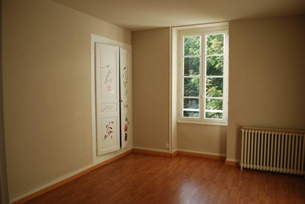 Appartement à louer 3 85m2 à Cosne-Cours-sur-Loire vignette-4