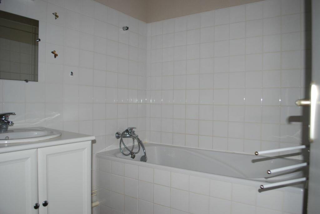 Appartement à louer 3 85m2 à Cosne-Cours-sur-Loire vignette-5