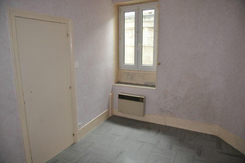 Appartement à louer 3 45m2 à Cosne-Cours-sur-Loire vignette-1