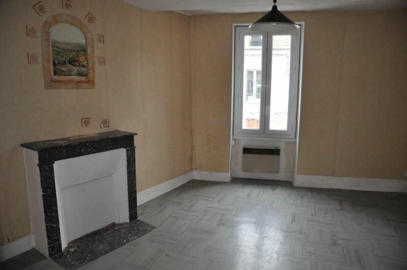 Appartement à louer 3 45m2 à Cosne-Cours-sur-Loire vignette-2