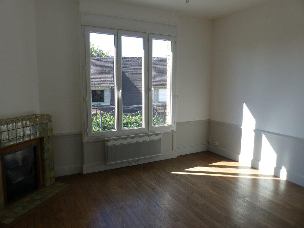 Appartement à louer 2 46m2 à Cosne-Cours-sur-Loire vignette-2
