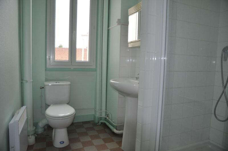 Appartement à louer 2 46m2 à Cosne-Cours-sur-Loire vignette-4