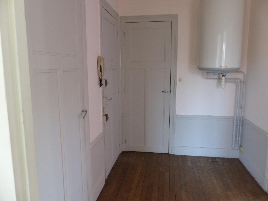 Appartement à louer 2 46m2 à Cosne-Cours-sur-Loire vignette-5