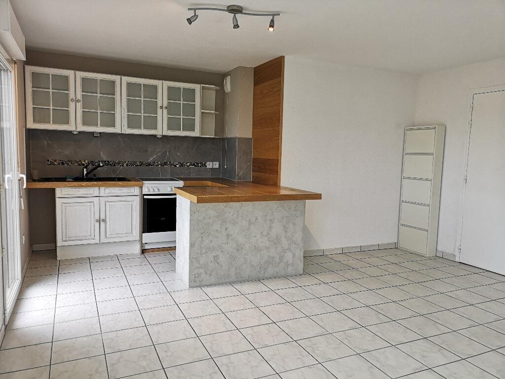 Appartement à louer 2 41.84m2 à Douvaine vignette-1