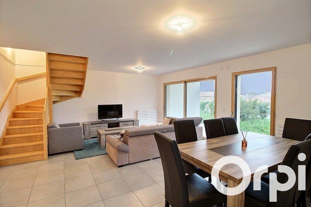 Appartement à vendre 5 107.72m2 à Messery vignette-2