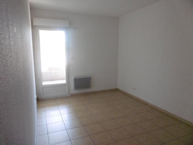 Appartement à louer 3 65.81m2 à Le Pontet vignette-5