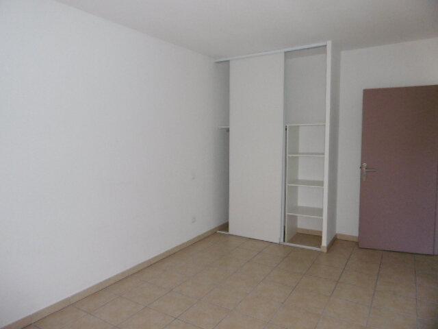 Appartement à louer 3 65.81m2 à Le Pontet vignette-6