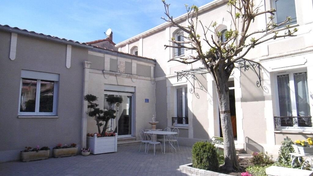 Maison à vendre 7 123m2 à Avignon vignette-1