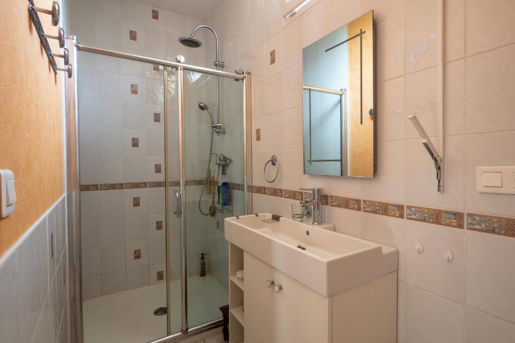 Maison à vendre 7 123m2 à Avignon vignette-9
