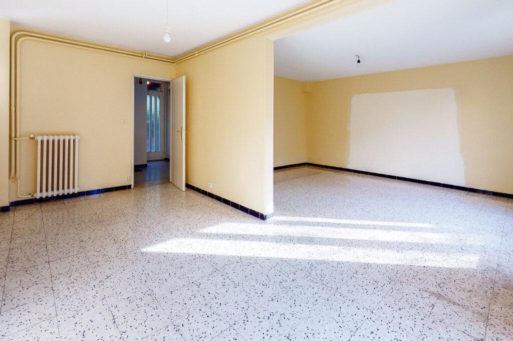 Maison à vendre 5 88.6m2 à Montfavet - Avignon vignette-2