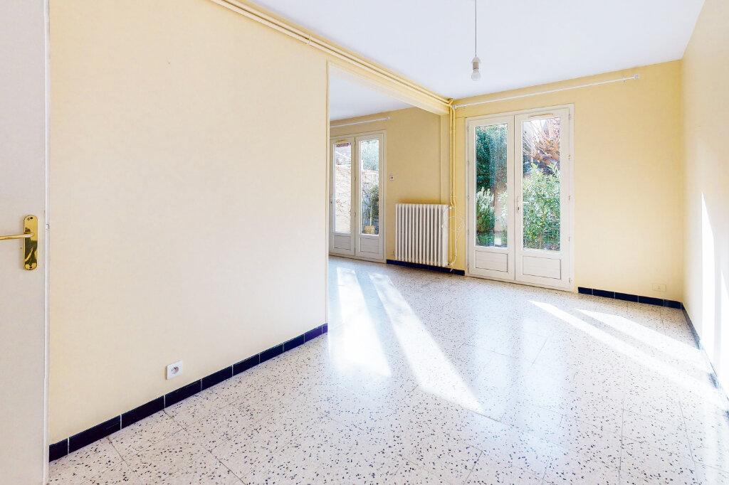 Maison à vendre 5 88.6m2 à Montfavet - Avignon vignette-3