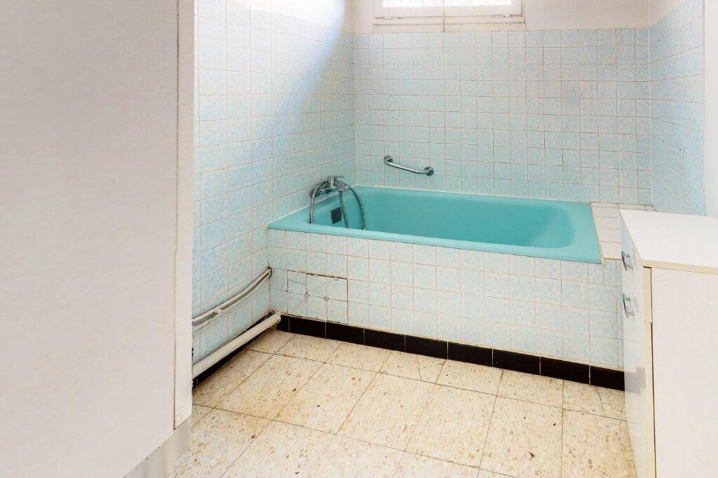 Maison à vendre 5 88.6m2 à Montfavet - Avignon vignette-5