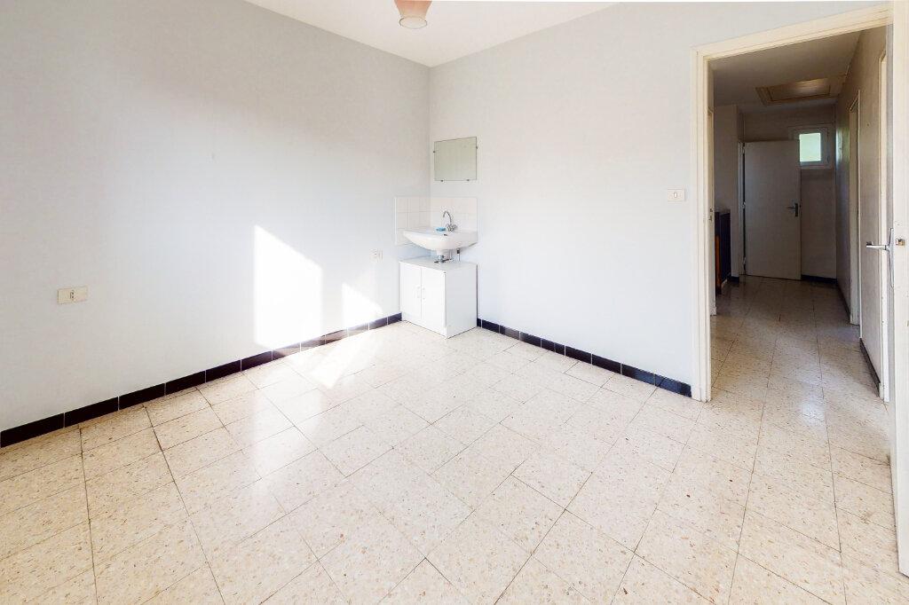 Maison à vendre 5 88.6m2 à Montfavet - Avignon vignette-8
