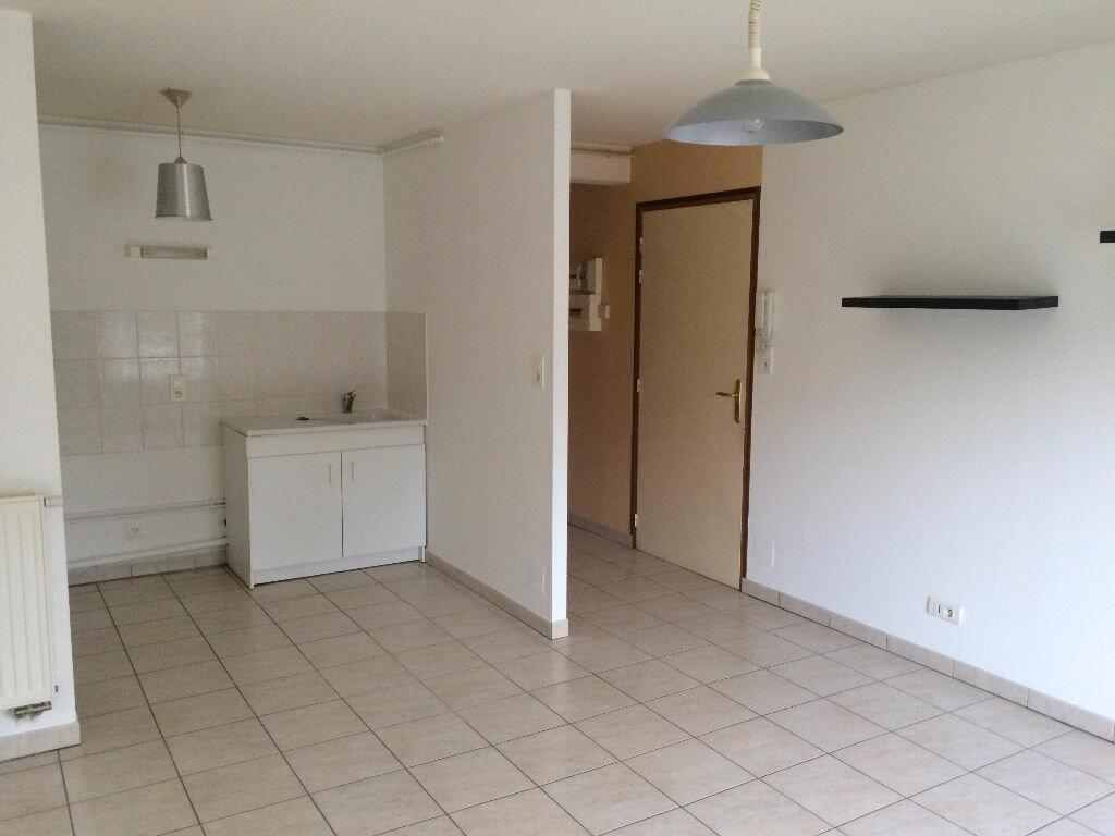 Appartement à louer 2 45m2 à Étival-Clairefontaine vignette-1