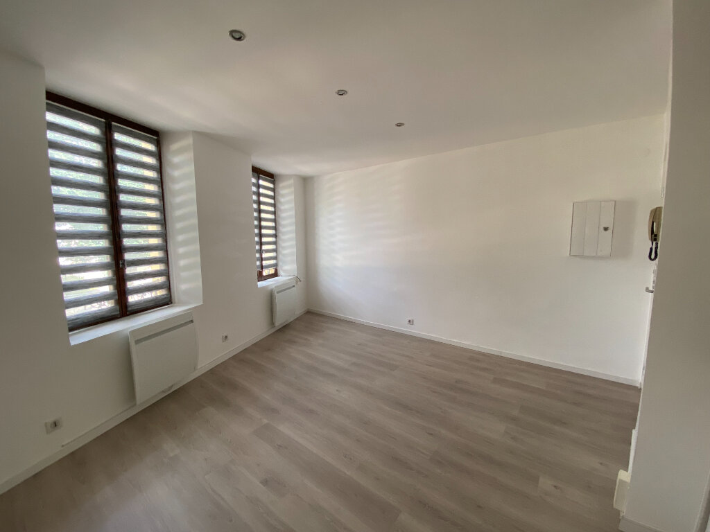 Appartement à louer 1 22m2 à Nancy vignette-2