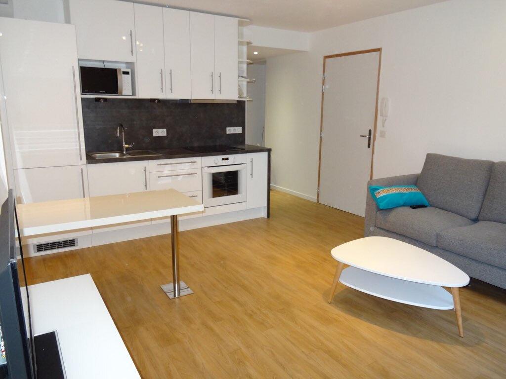 Appartement à louer 2 37m2 à Nancy vignette-1