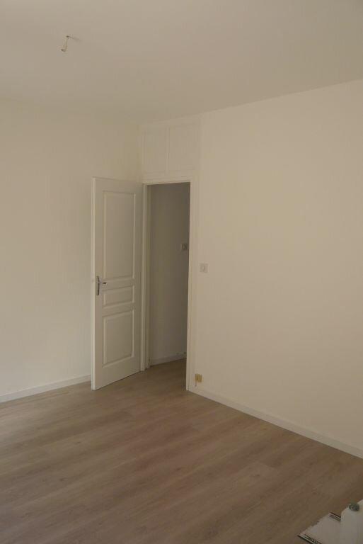 Appartement à louer 2 35m2 à Nancy vignette-2