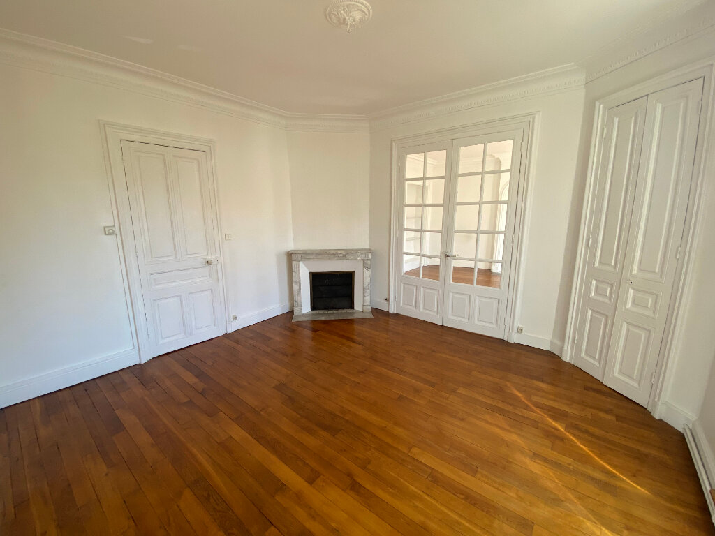 Appartement à louer 5 126m2 à Nancy vignette-4