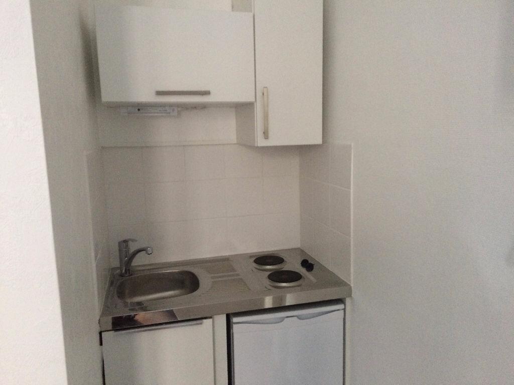 Appartement à louer 1 16m2 à Nancy vignette-5