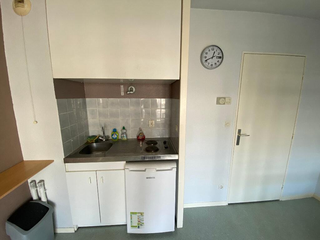 Appartement à louer 1 23m2 à Nancy vignette-2