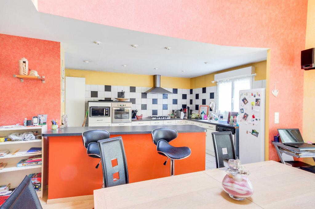 Maison à vendre 5 136m2 à Chavigny vignette-7