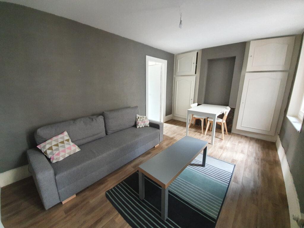 Appartement à louer 2 40m2 à Nancy vignette-1