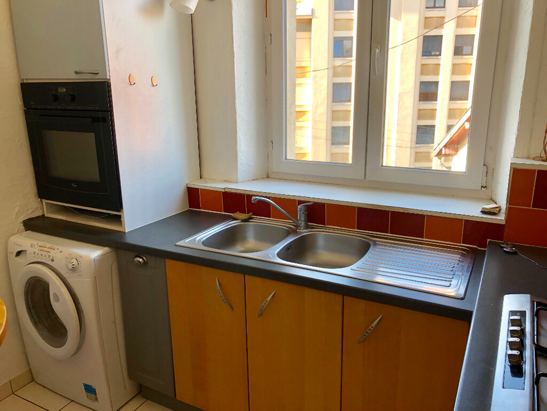 Appartement à louer 3 98m2 à Nancy vignette-2