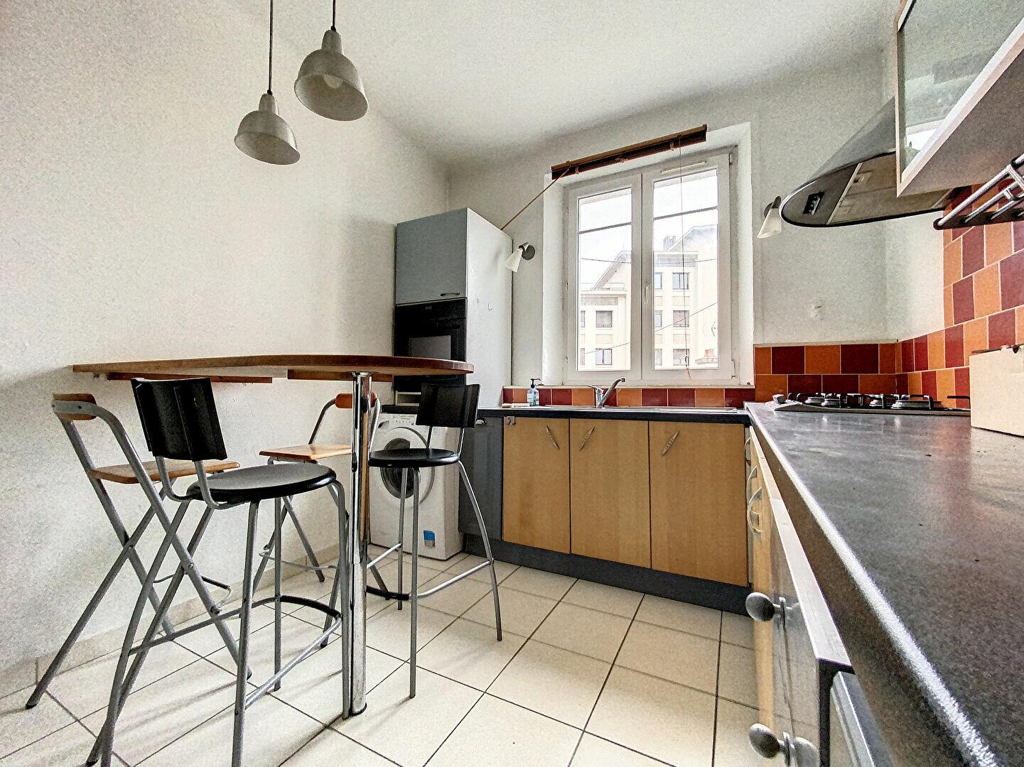 Appartement à louer 3 98m2 à Nancy vignette-8