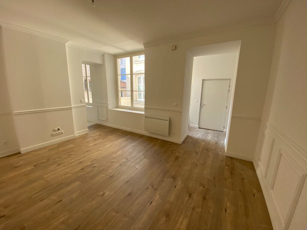Appartement à louer 3 80m2 à Nancy vignette-2