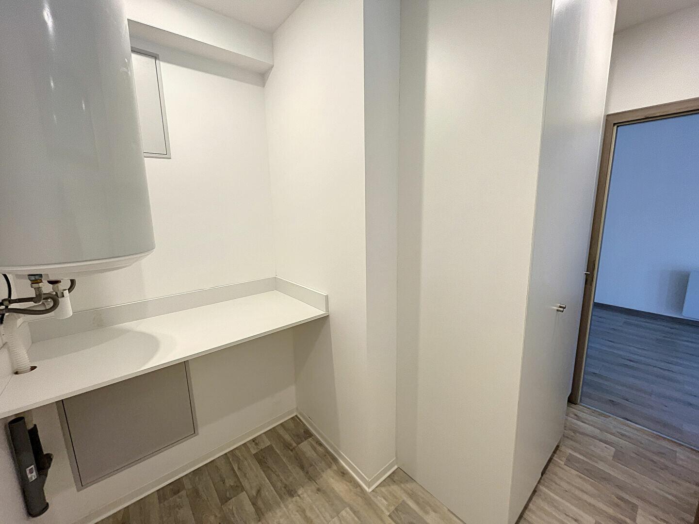 Appartement à louer 3 90m2 à Nancy vignette-7