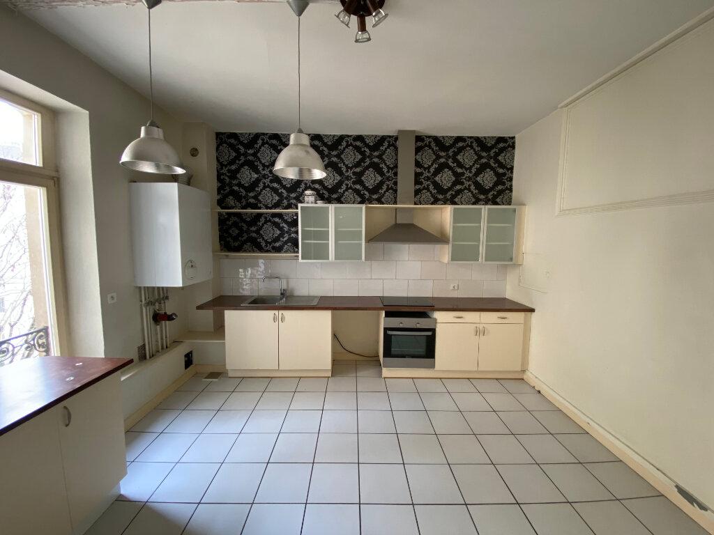 Appartement à louer 7 242m2 à Nancy vignette-2