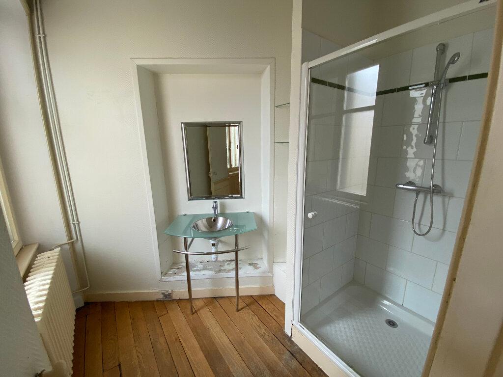Appartement à louer 7 242m2 à Nancy vignette-5