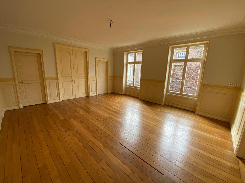 Appartement à louer 7 242m2 à Nancy vignette-9